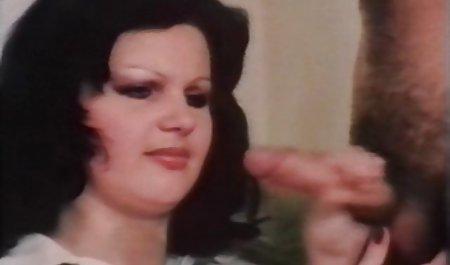 Ariella Ferrera tergoda oleh bokep jepang mom montok MAMA