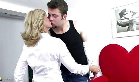 Cinta lesbian Daphne dan Clyde mama jepang xxx river Sean